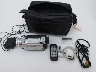JVC GR DVL725U MiniDV Camcorder Bundle w Accessories 2 5 LCD Display