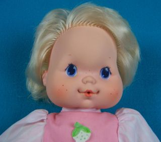 Kenner 1984 Vintage Strawberry Shortcake Baby Needs A Name Blowkiss
