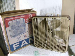 Vintage Lakewood 3 SPD Box Fan P223 M with Original Box