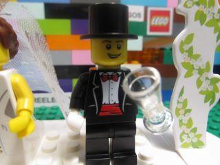 Lego 853340 WEDDING CAKE TOPPER DECOR FAVOR SET w/ BRIDE & GROOM