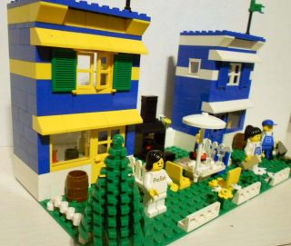 Vintage Custom Lego Duplex Town Houses w Figs More
