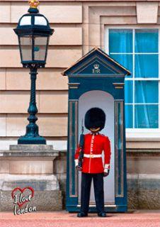 Love London Royal Guard in Bearskin London England 3D Postcard 501GB