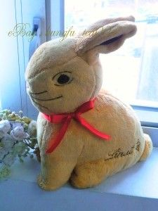 Lindt Chocolate Gold Bunny Easter Rabbit Plush Soft Toy Stuffed Doll