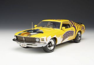 Highway 61 LSU Tigers 1970 Ford Mustang Diecast 1 18