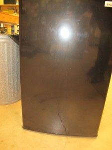Magic Chef MCBR445B2 4 4 CU ft Compact Refrigerator Freezer Black MSRP