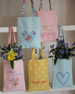 Leannes House Sweet Love Kisses Gift Bags Pattern
