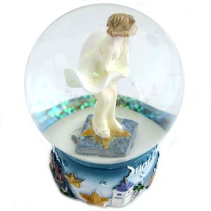product description hollywood marilyn monroe snow globe this snow