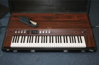Yamaha Electronic Piano CP 20 with Case Legs and Foot Pedal