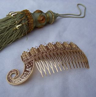 NEO BAROQUE STYLE CZECH GOLDTONE METAL AND FAUX PEARL HAIR COMB