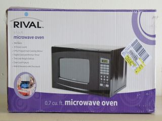 Rival 0 7 CU ft 700 Watt Digital Microwave EM720CWA PMB New in The Box