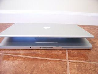 Apple MacBook Pro 17 2 5g 4GB 500GB Laptop Dual OS CS5