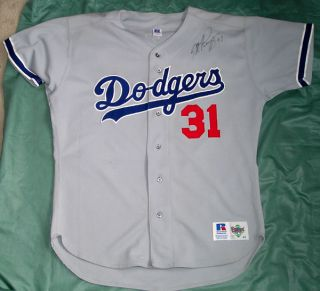 MIKE PIAZZA DODGERS HAND SIGNED RUSSELL ATHLETIC 48 ROAD JERSEY   NO