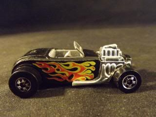 VINTAGE, COLLECTIBLE DIECAST HOTWHEELS BLACK STREET ROD CONVERTIBLE