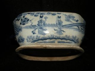 ANTIQUE MASONS BLUE & WHITE TRANSFERWARE COVERED SAUCE TUREEN C. 1805