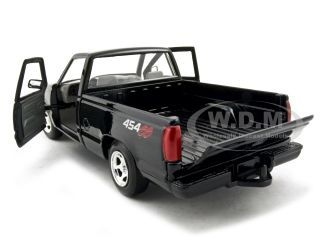 model of 1992 Chevrolet Pickup Truck SS 454 die cast car by Motormax