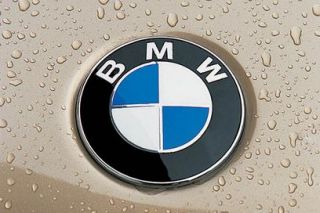 BMW NEW ORIGINAL BONNET/BOOT BADGE 82MM NEW UK STOCK PART NO 5114 8132