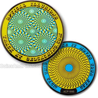 Optical Illusions Geocoin   yammering yellow Geocaching Ausverkauft