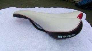 Velo Sport Sattel   SCAPE   MTB, Cube, Ghost   Weiß/schwarz   ca. 340