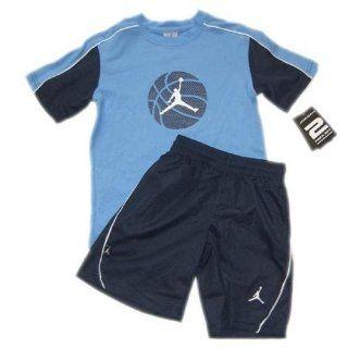 NIKE JORDAN / 2 tlg. Sommer Set / Shorts & T Shirt / Jumpan23 / Gr. 98