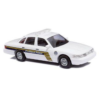 Busch 49025   Ford Crown Victoria Pentagon Police: