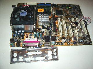 Mainboard ASUS P4B533 V Rev 2 0 CPU P4 1 GB RAM Kuehler getestet OK