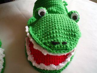 gehäkelter Kochhandschuh,als Krokodil