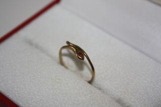 alter Damenring Gold 333 mit rotem Stein besetzt Schlange