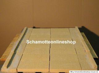 Auf eine Idealerweise 40 mm dicken Kalziumsilicatplatte wird der Boden