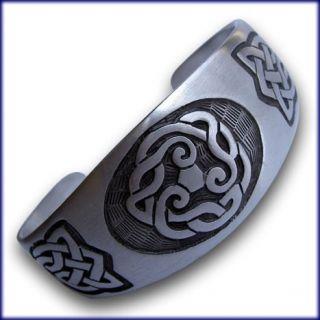 tribal arm bands tattoos on popscreen. Black Bedroom Furniture Sets. Home Design Ideas