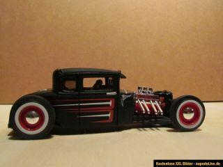 Modellauto 1  24 Maisto, 1929 Ford Hot Rod Mattschwarz, Scallops und