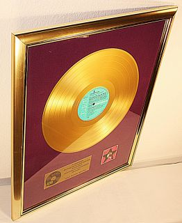 Elvis Presley, Elvis Sings Hits From His Movies, goldene Schallplatte