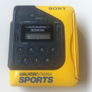 Vintage Sony Sports Walkman FM/AM Model WM F2078