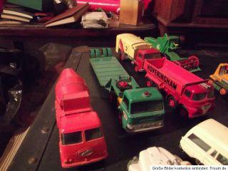 Konvolut Matchbox Lesney Autos Lkw Baufahrzeuge Motorrad zubehör