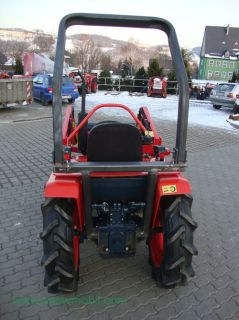 Kleintraktor Traktor Kubota B1600 neu lackiert mit Frontlader Mini