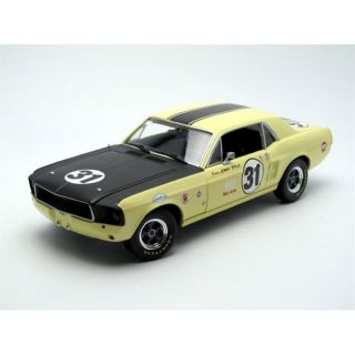 REDUIT MAQUETTE GREENLIGHT COLLECTIBLES 1/18 FORD Mustang GT   Ter