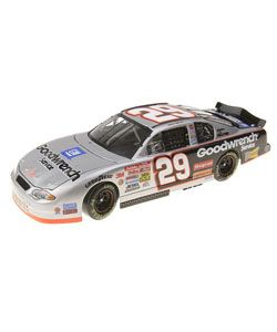 Harvick 124 Scale #29 Goodwrench Die cast Car