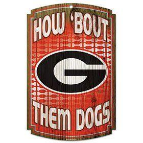 Georgia Bulldogs Wood Sign: Sports & Outdoors