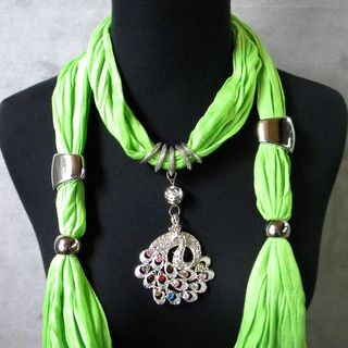Pea Gree Fashion Jewelry Scarf with Multi Color Peacock Pendant