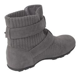 Bamboo by Journee Womens Faux Suede/ Knit Boot