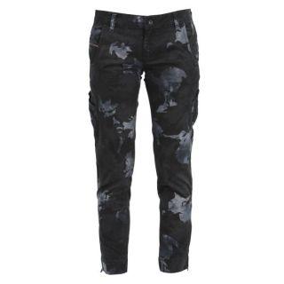 Coloris  noir camouflage. Pantacourt DIESEL Femme, 98 % coton, 2 %