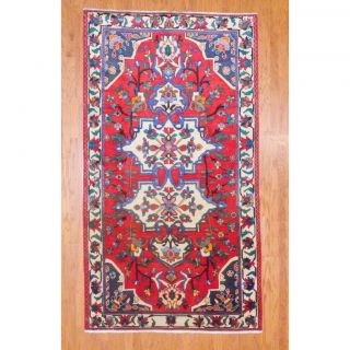 Persian Hand knotted Bakhtiari Red/ Ivory Wool Rug (55 x 910