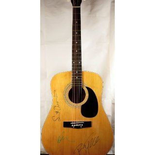 Legendary Singer/Song Writer   Model GA 202   6 String   Collectible