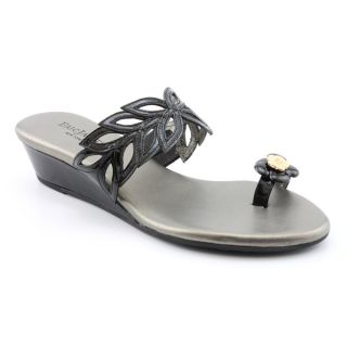 Eric Javits New York Womens Low Leaf Patent Leather Sandals (Size 7