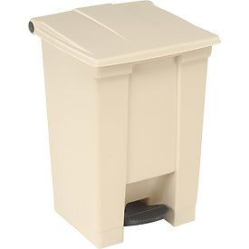 12 Gallon Rubbermaid Plastic Step On Trash Can   Beige