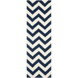 Handmade Chevron Dark Blue/ Ivory Wool Rug (23 x 7)