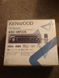 Kenwood In dash Radio Kdc mp235