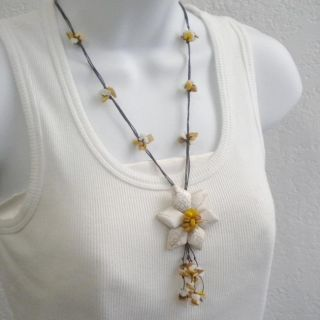 Cotton White Turquoise Flower/ Yellow Shell Tassel Necklace (Thailand