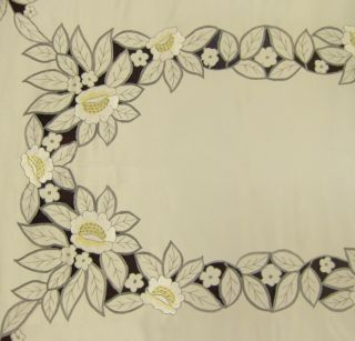 Spanish Lace Floral Embroidery Tablecloth