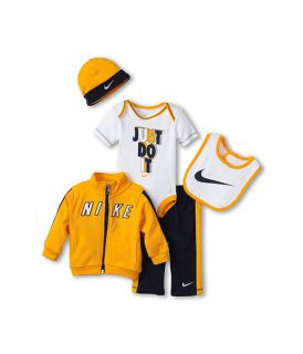 Nike Kids Nike® 5 Pc. Gift Set (Newborn)